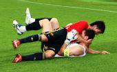 图文:西班牙4-2意大利 调皮的比利亚