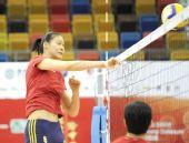 图文:中国女排香港备战大奖赛 赵蕊蕊网上扣杀