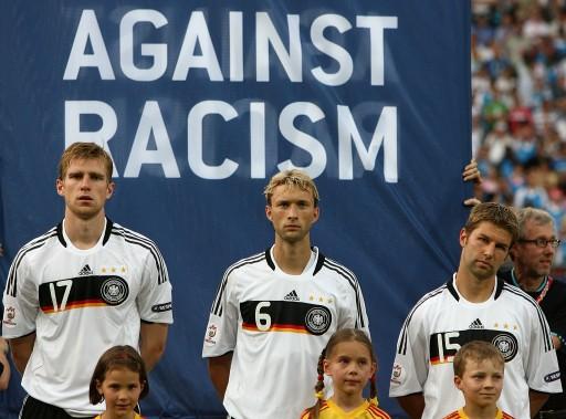 德国vs土耳其 反对种族歧视标语