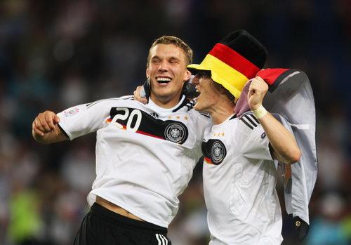 图文:德国3-2土耳其 波尔蒂笑得很憨厚