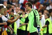 图文:德国3-2土耳其 莱曼答谢球迷