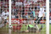 幻灯:德国3-2土耳其 塞米赫灵巧一拨扳平比分