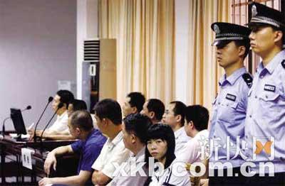 """■""""齐二药""""昨日在天河区法院一审宣判。 新快报记者 李小萌/摄"""