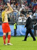 图文:俄罗斯0-3西班牙 希丁克比赛结束后