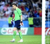 图文:俄罗斯0-3西班牙 黯然离场
