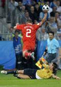 图文:俄罗斯0-3西班牙 争抢积极