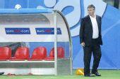 图文:俄罗斯0-3西班牙 希丁克回头张望