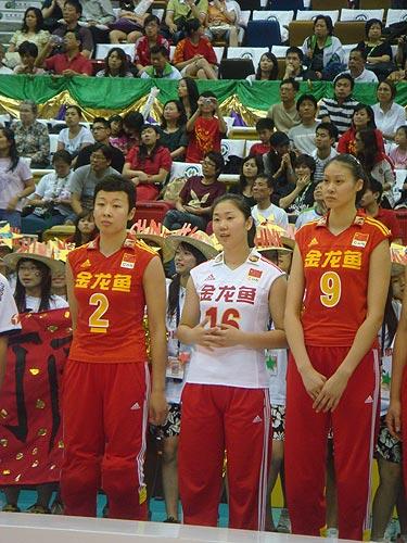 图文:中国女排3-2意大利 冯坤张娜赵蕊蕊
