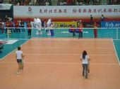 图文:中国女排3-2意大利 香港小姐参加游戏