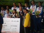 图文:中国女排3-2意大利 魏纪中与意大利女排