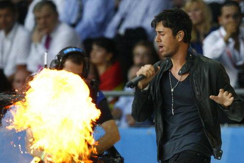 恩里克与火焰共舞