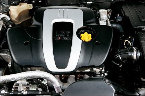 荣威750 发动机
