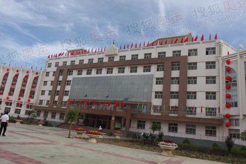 吴忠中学的主楼