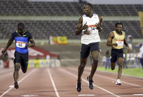 图文:牙买加奥运预选赛 博尔特获得奥运资格