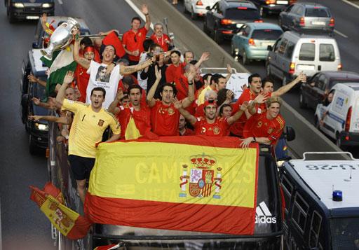 西班牙引发高速公路堵车
