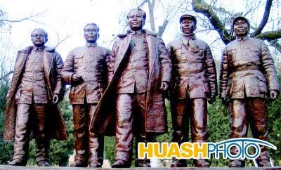 延安时期的五位书记毛泽东、朱德、刘少奇、周恩来、任弼时的铜像