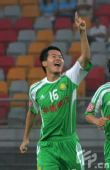 图文:[中超]天津VS北京 黄博文庆祝进球