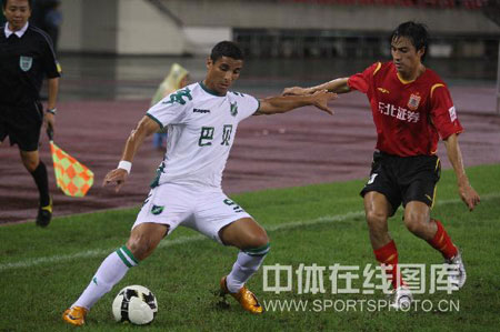 图文:[中超]浙江3-0长春 外援对对碰