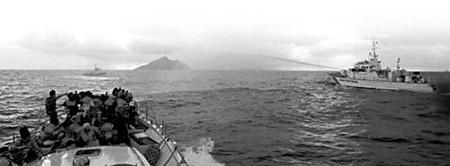 """日前台湾""""保钓""""船队和日本军舰对峙"""