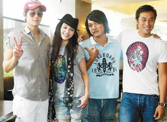 「爱的发声练习」由彭于晏(左起)、大S、东明相、张孝全合演。
