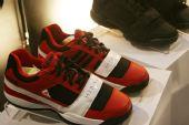 图文:零号特工访华 阿里纳斯最爱之鞋