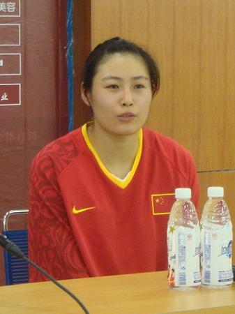 中国女篮战胜古巴 宋晓云回答问题