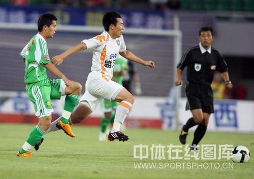 图文:[中超]北京1-0险胜青岛 一马当先