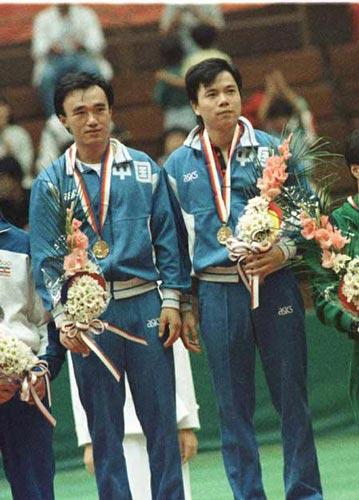 首次跨进奥运会殿堂的乒乓球比赛放在最后几天举行。