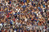 图文:[中超]陕西2-1长沙 球迷怒骂裁判