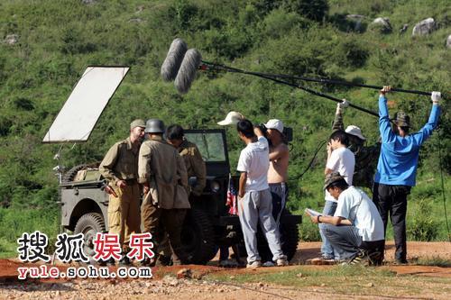 导演康洪雷、演员段奕宏亮相片场