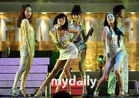 Wonder Girls为奥运加油