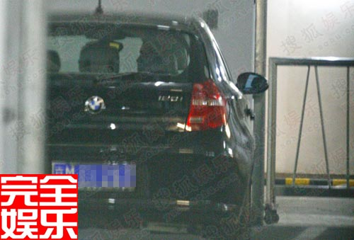 银座地下停车场记者发现了李晨的座驾