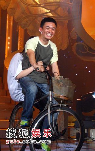 现场互动骑自行车