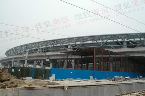北京南站正在紧张施工中
