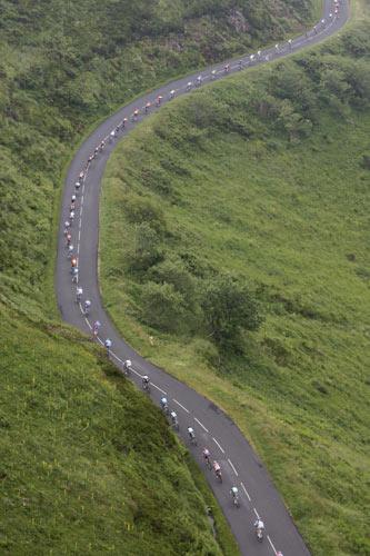 图文:环法第七赛段桑切斯称王 绵延的公路