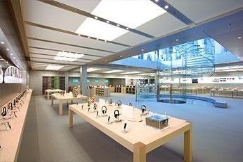 纽约苹果店,10000平方英尺的这家零售店将是苹果公司最大的一家专卖。