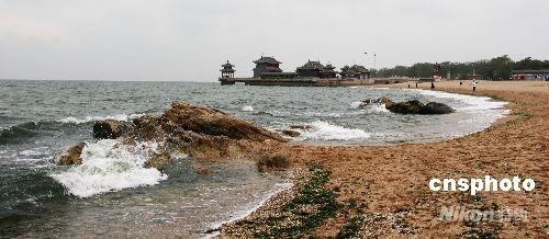 """山海关是历史悠久的文化古城,是世界文化遗产--中国万里长城的形象代表之一。称之为""""天下第一关""""。 中新社发 陈志华 摄"""