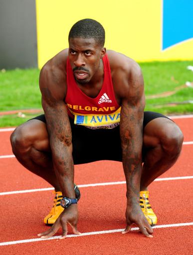 图文:英国奥运田径选拔赛 钱伯斯冲过半决赛