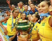 图文:巴西女排3-0日本全胜夺冠 队员兴奋不已