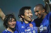 图文:[中超]陕西1-0成都居首 王鹏庆祝进球