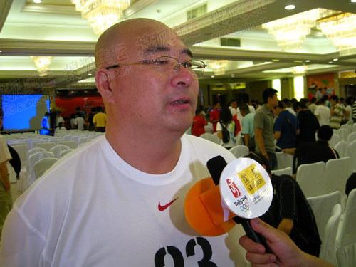 奥运官网记者采访长春火炬手张玉海