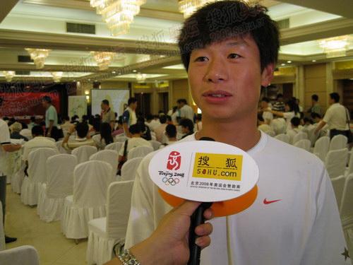 奥运官网记者采访长春火炬手李野