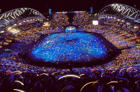 2000年悉尼奥运会开幕式现场图片。
