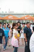 图文:激情中超济南站 美女场边观战