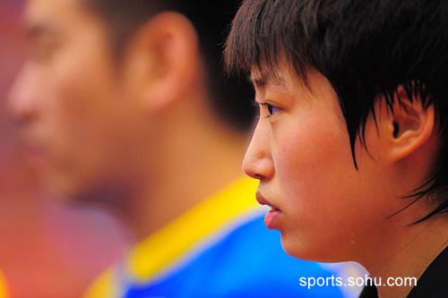 图文:女乒奥运热身团体赛 郭跃认真对待