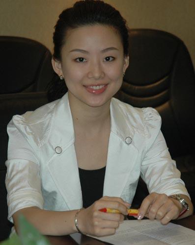 潘晓婷/图文:潘晓婷向灾区捐比赛奖金 潘晓婷大方得体