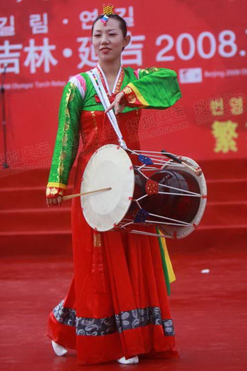 朝鲜族长鼓表演