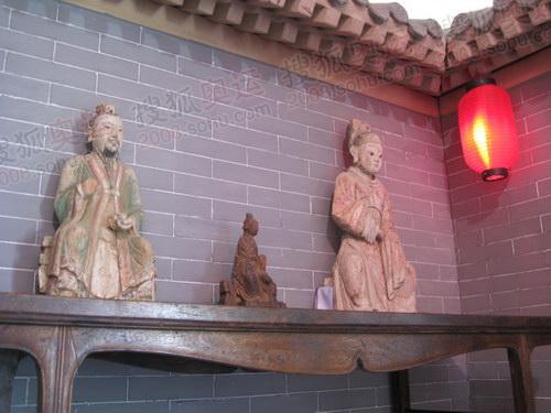 明清古董家具和塑像亮相山西祥云小屋
