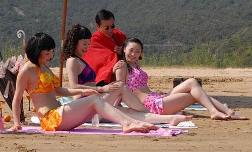 《梦幻天堂》第一集就靠美女泳装出镜博收视
