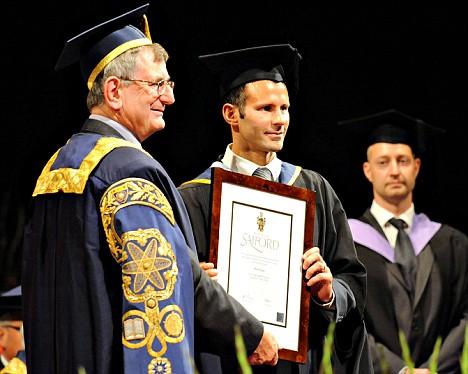 吉格斯获得硕士学位